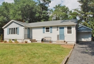 21 Cottonwood Ct Stockholm NJ, 07460