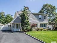 2433 6th St East Meadow NY, 11554