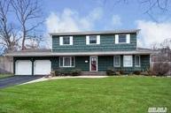 52 Morris Ave Lake Grove NY, 11755
