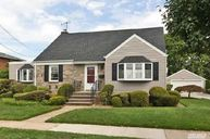 48 Fairfield Ave Mineola NY, 11501