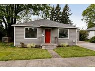 330 W Fairfield St Gladstone OR, 97027