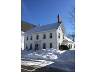 35 Government Kittery ME, 03904