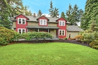 215 Sw 197th Place Normandy Park WA, 98166