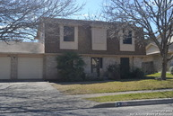 106 Splitrock Ln Universal City TX, 78148