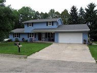 127 Sunset Ct Omro WI, 54963