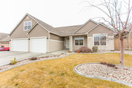6118 Dorchester Ct. Pasco WA, 99301