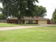 2121 Lyle Rd Weatherford OK, 73096