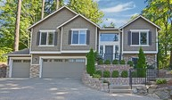 18900 40th Place Ne Lake Forest Park WA, 98155