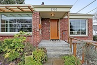 2909 W Bertona St Seattle WA, 98199
