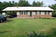 2003 Rose Dr. Tazewell TN, 37879