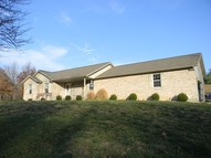 4111 Evergreen Pinckneyville IL, 62274