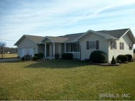 6 Deer Hollow Litchfield IL, 62056