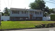 10 Easton Ave North Babylon NY, 11703