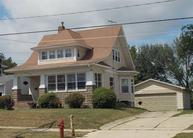 822 1st St East Independence IA, 50644
