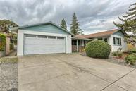 555 Oak Knoll Dr Ashland OR, 97520