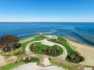 30 Hoffstot Ln Sands Point NY, 11050