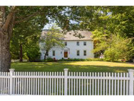 27 Pine St Exeter NH, 03833