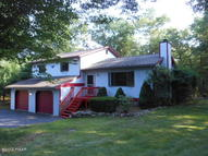 227 Wild Meadow Dr Milford PA, 18337