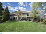 213 Hedgemere Dr Devon PA, 19333