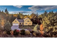 82 Carriage Rd New Boston NH, 03070