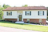 6 Wellswood Road Athens WV, 24712
