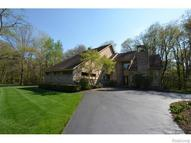3948 Lake Oaks Drive Commerce Township MI, 48382