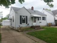 1689 Mapledale Rd Wickliffe OH, 44092
