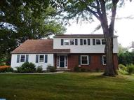 201 Beaumont Dr Wallingford PA, 19086