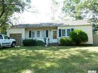 29 Clifford Ct Huntington Station NY, 11746