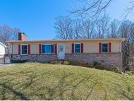 162 Timber Ridge Rd. Hampton TN, 37658
