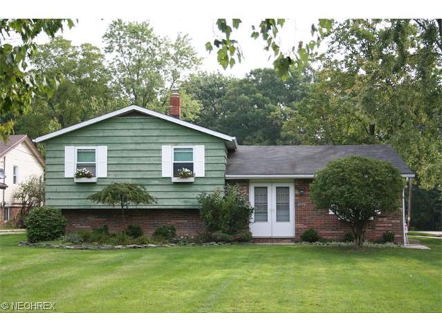 987 Archer Rd Bedford OH, 44146