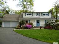 48 Orchard Dr Fort Salonga NY, 11768