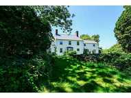2595 Tower Hill Rd Saunderstown RI, 02874
