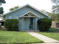 206 4th St Panhandle TX, 79068