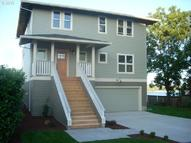 434 2nd St Saint Helens OR, 97051