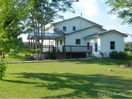 1366 Klomp Road Iuka IL, 62849