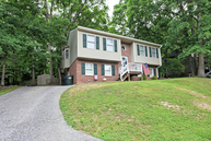 504 Jefferson Woods Dr Forest VA, 24551