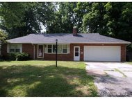 211 Oliver Lee Belleville IL, 62223