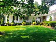 109 Sterling Ct Syosset NY, 11791