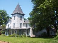 309 South Cottonwood Iola KS, 66749