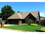 2827 W 64th Place Tulsa OK, 74132
