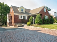 28 Entwistle Ave Nutley NJ, 07110