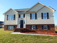 2915 Maggie Way Boonville NC, 27011