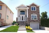 40 Dimarco Place Staten Island NY, 10306