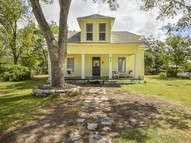 409 Brewster St Florence TX, 76527