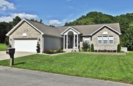 202 Mountain View Dr Van Lear KY, 41265
