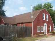 41 Adams St Iola KS, 66749