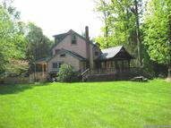 17 Cross Patch Road Woodstock NY, 12498