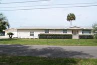 142 Beechers Point Dr Welaka FL, 32193