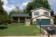 19 Essex Lane Cary IL, 60013
